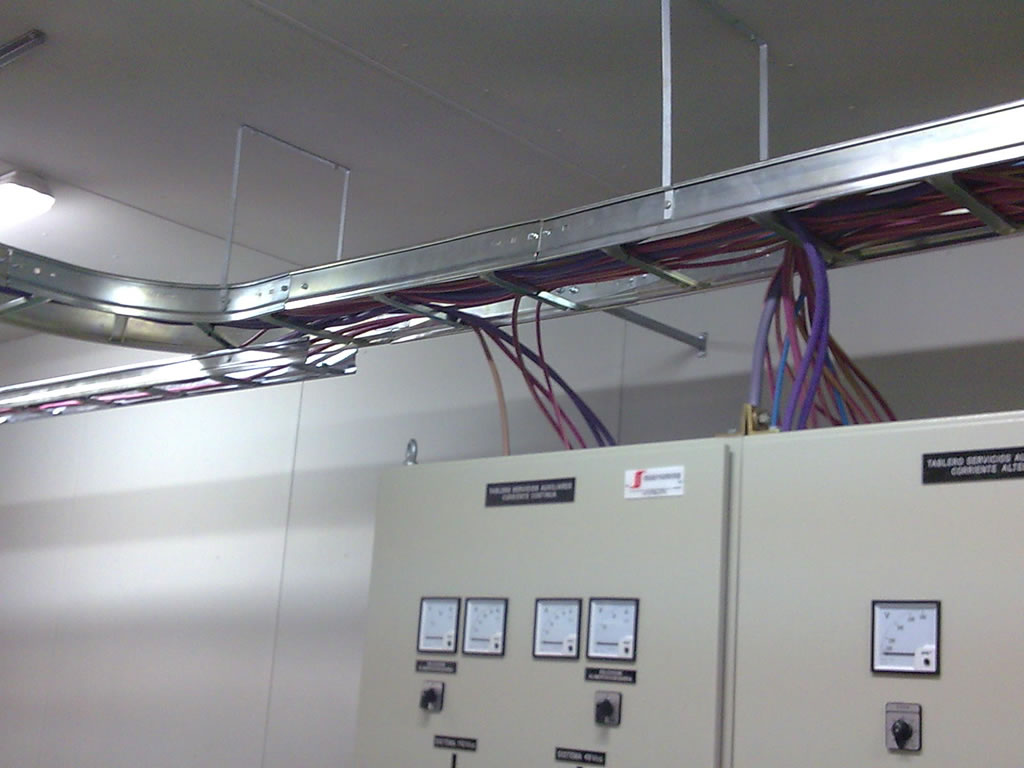 (ES) Shelters eléctricos | Industrias 9 de Julio